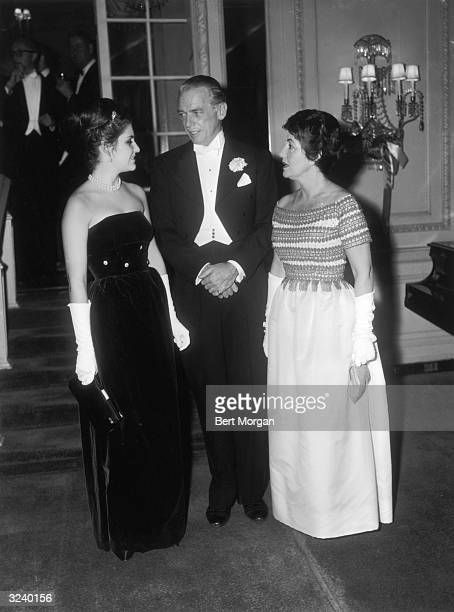 EXCLUSIVE American actor Douglas Fairbanks Jr his wife and his daughter Victoria Fairbanks speak together at the Bal Polonaise Sheraton East Hotel