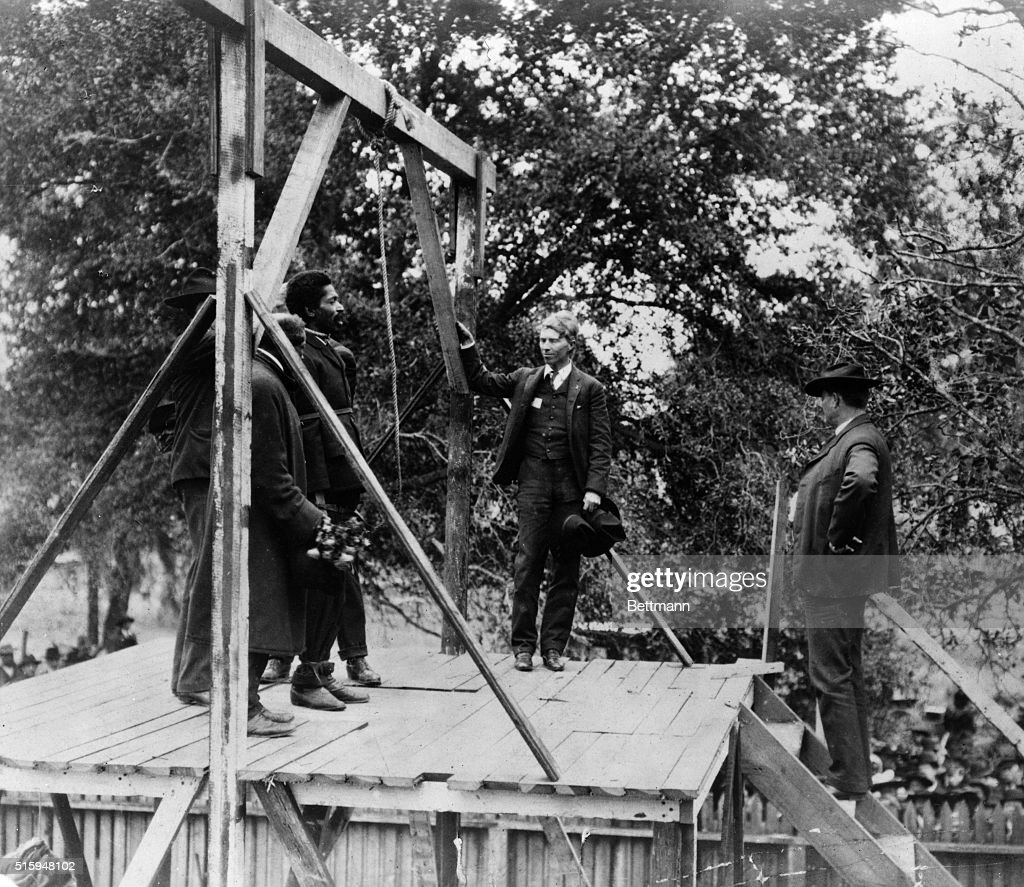 Black Man About To Be Hanged : News Photo
