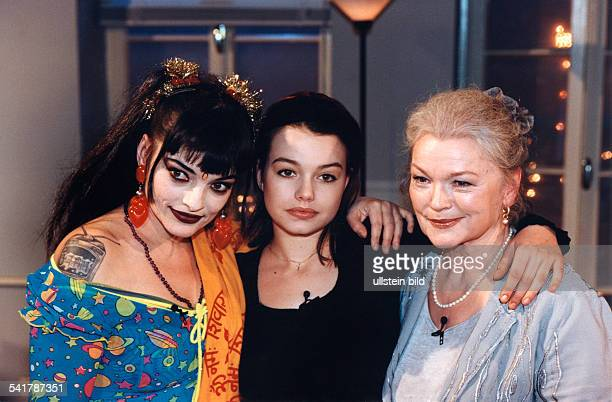 Schauspielerin Sängerin D mit Ihrer Tochter Nina Hagen und Enkeltochter Cosma Shiva Hagen