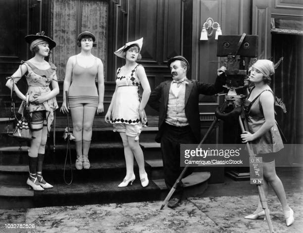 1910s COMIC PHOTOGRAPHER WITH MODELS IN SKIMPY BATHING COSTUMES SILENT MOVIE STILL