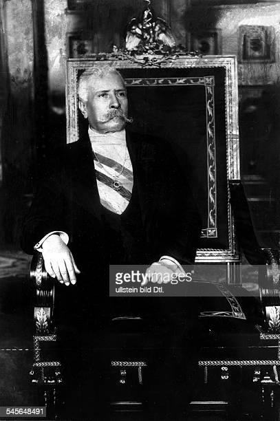1830 1915General Staatspräsident MexikoPorträt als Präsident um 1900