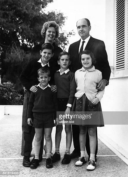 19191996Politiker Pasok Griechenlandmit seiner Familie in Athen vor 1967