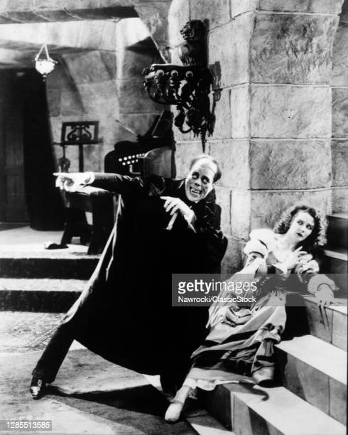 1920s 1925 Lon Chaney And Mary Philbin The Phantom Of The Opera Hollywood Silent Movie Publicity Still