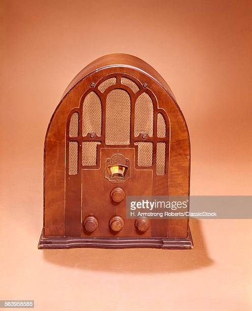1920s 1930s OLD TIME CATHEDRAL STYLE RADIO