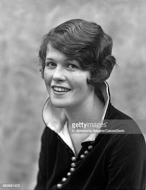 1920s 1930s SMILING...