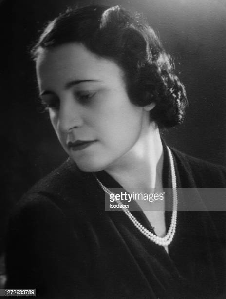 1920s italian indoor woman portrait - archival stock pictures, royalty-free photos & images