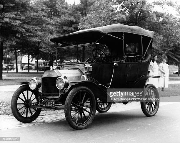 1920s MODEL T FORD TOURING...