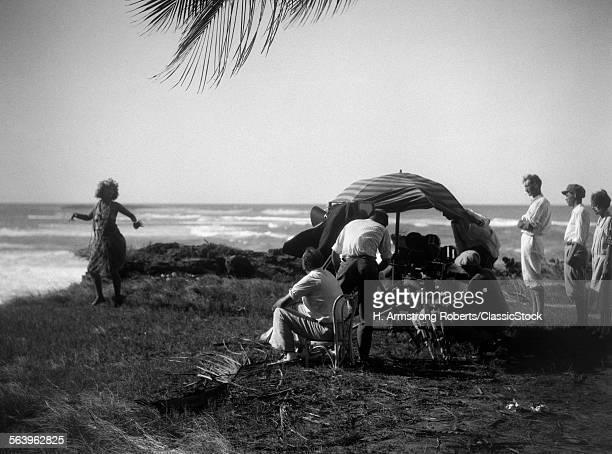 1920s MOVIE CREW FILMING...