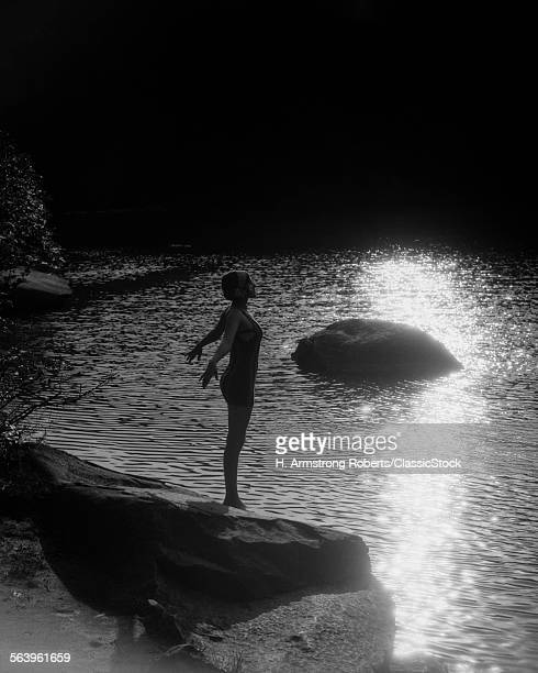 1920s SUNSET SILHOUETTE OF...