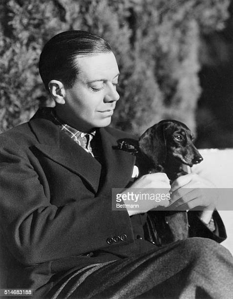 1926Composer Cole Porter portrait with his dog