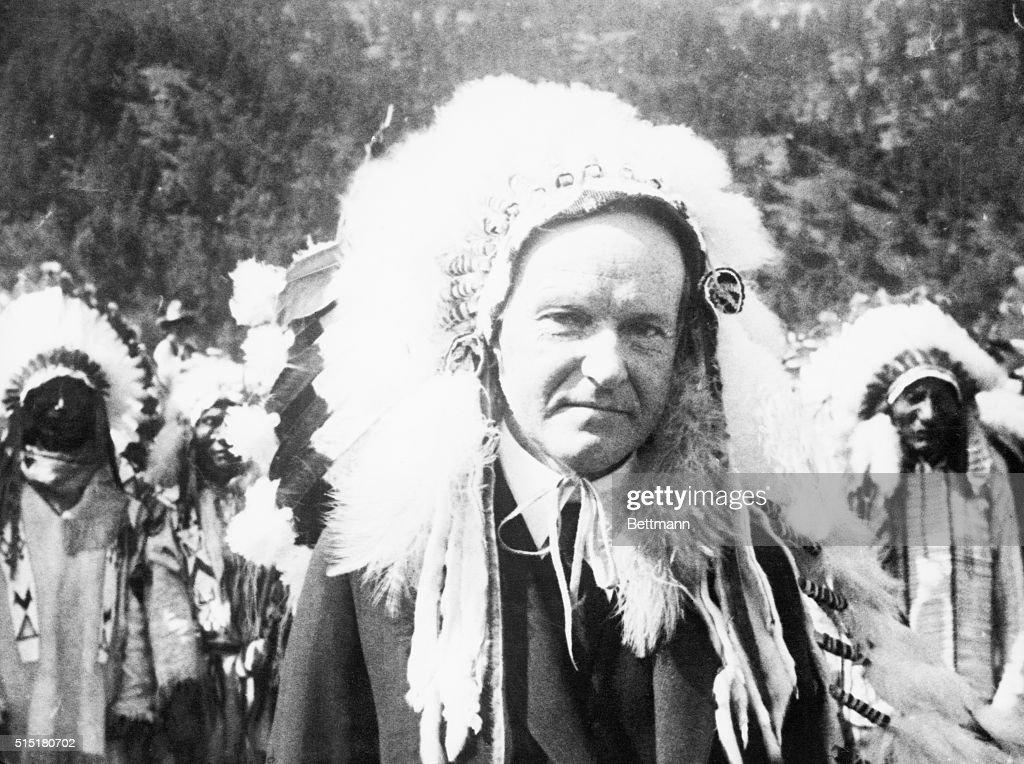 Calvin Coolidge Wearing War Bonnet : News Photo