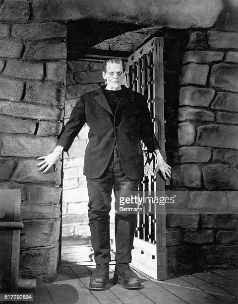 1930Boris Karloff as Frankenstein Dungeon scene