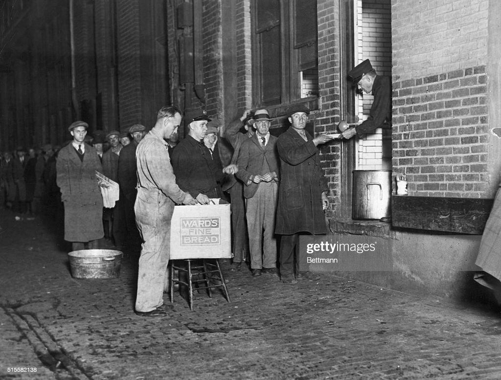 Men Waiting on Soup Line in Detroit : News Photo