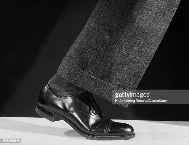 1930s 1940s 1950s WALKING...