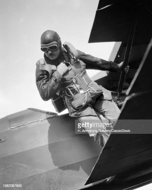1930s 1940s ANONYMOUS MAN...