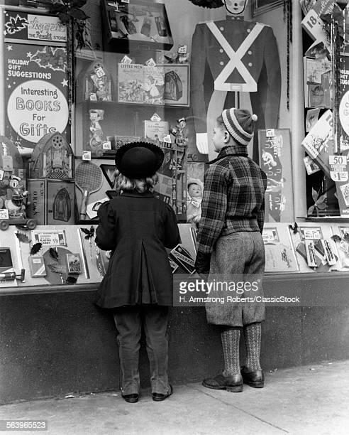 1930s 1940s BOY GIRL