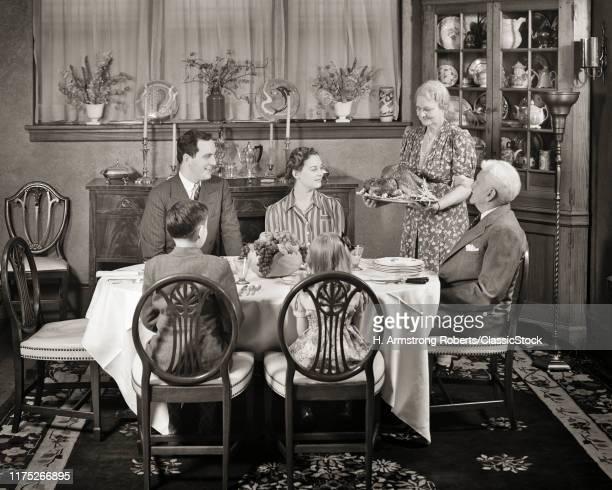 1930s 1940s FORMAL FAMILY TURKEY DINNER DINING ROOM TABLE
