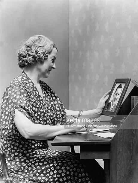 1930s 1940s SENIOR WOMAN...