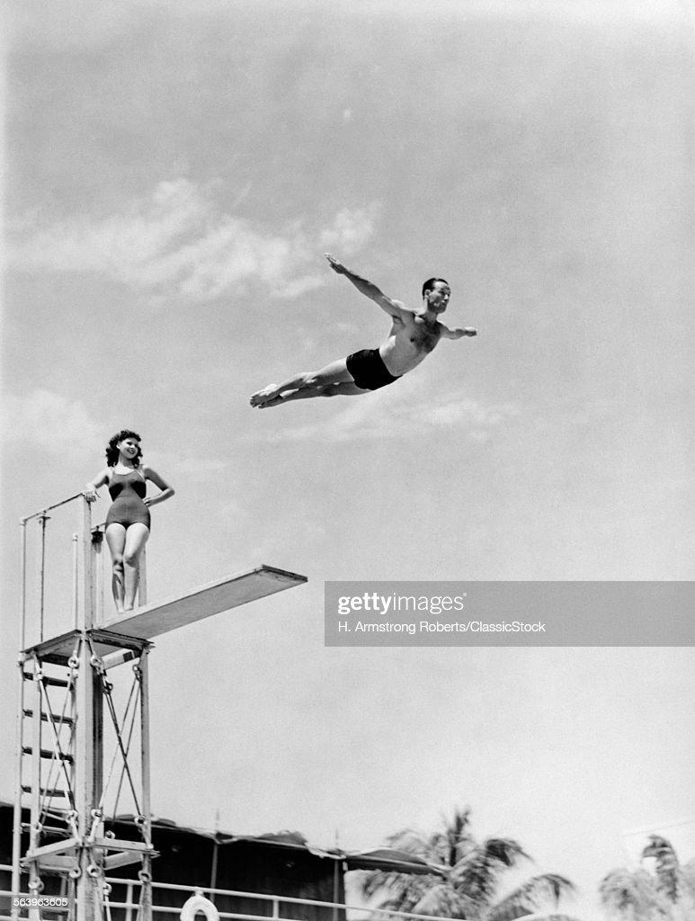 1930s 1940s SHAPELYOMAN... : Stock Photo