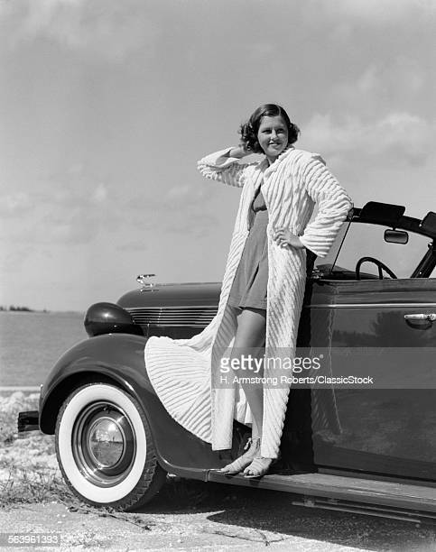 1930s 1940s SMILINGOMAN...