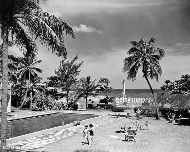 1930s 1940s SWIMMING POOL NATIONAL HOTEL WITH VIEW TOWARDS MAINE MONUMENT HAVANA CUBA