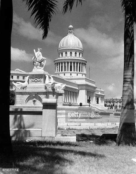 1930s 1940s THE CAPITOL...