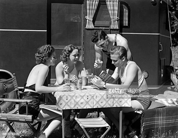 1930s 1940s TWO COUPLES...