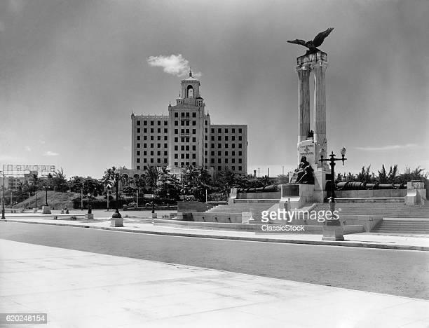 1930s 1940s USS MAINE MONUMENT AND NATIONAL HOTEL HAVANA CUBA