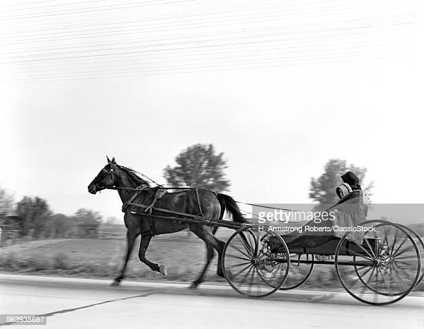 1930s AMISH WOMAN AND...