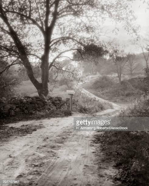 1930s COUNTRY LANE DIRT...