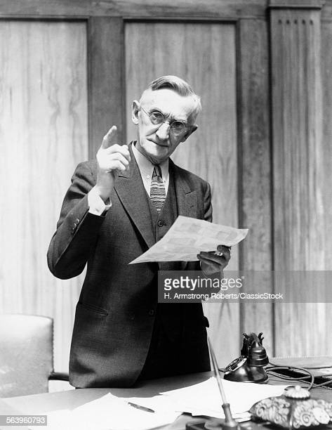 1930s ELDERLY MAN IN...