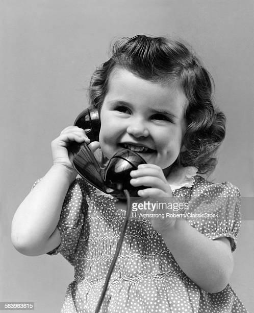 1930s LITTLE GIRLMILING...