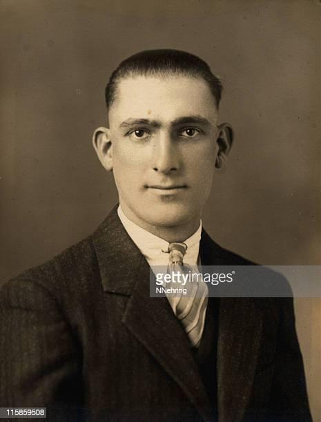 1930 年代のレトロな男性のポートレート - 1930~1939年 ストックフォトと画像