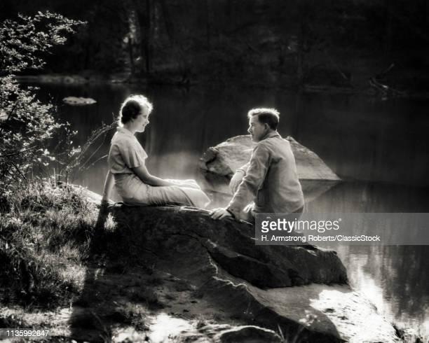 1930s ROMANTIC COUPLE...