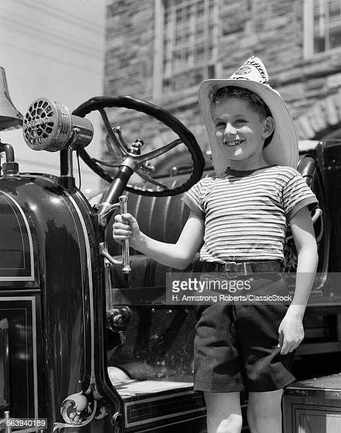 1930s SMILING BOY STANDING...