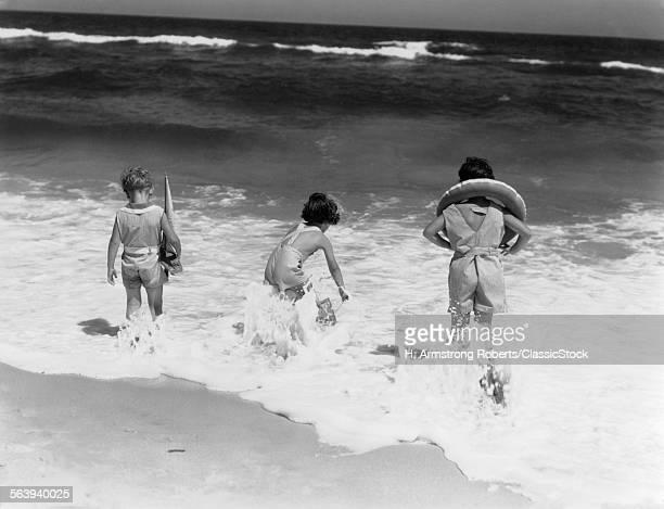 1930s THREE CHILDREN TWO...