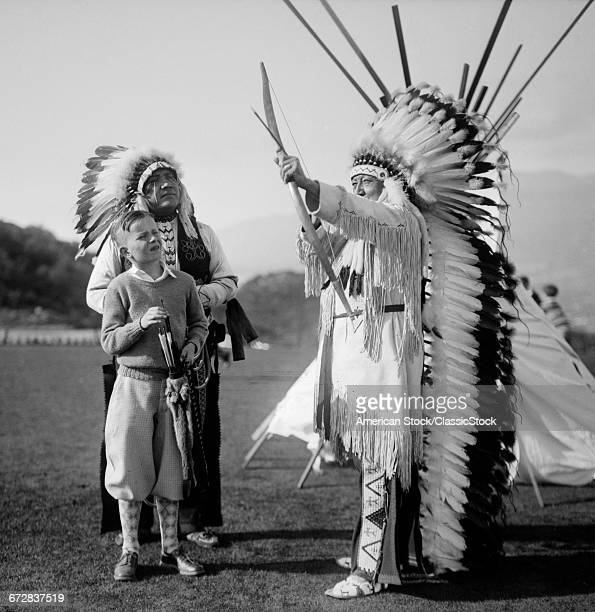 1930s TWO NATIVE AMERICAN...