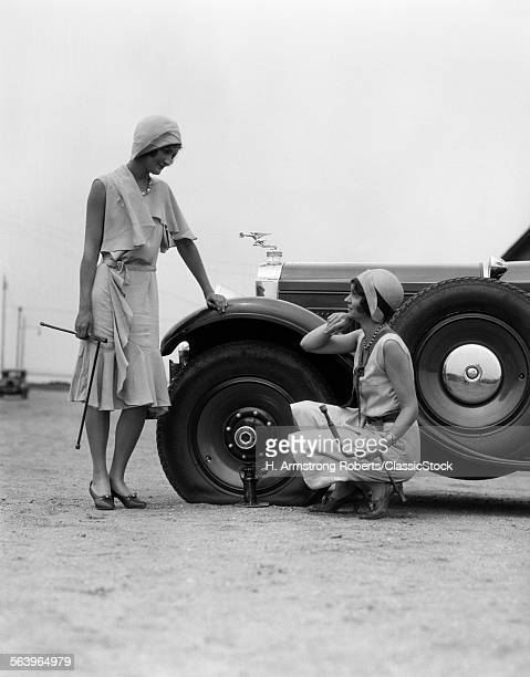 1930s TWO WOMEN CONFRONT...