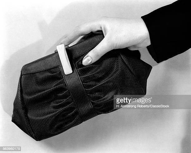 1930s WOMAN'S HAND HOLDING PURSE HANDBAG ACCESSORY