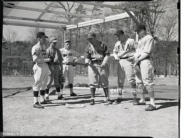Ray Doans' Baseball Camp Rogers Hornsby insructing the boys how to bunt Enior Dunkin Warren Ohio Alan Danielson Waupoca MI John Tomse Aurora IL James...