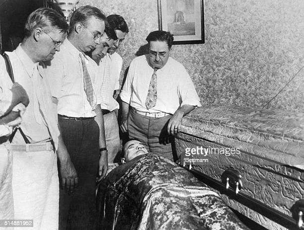 John Dillinger lying in state at home town of Mooresville IN