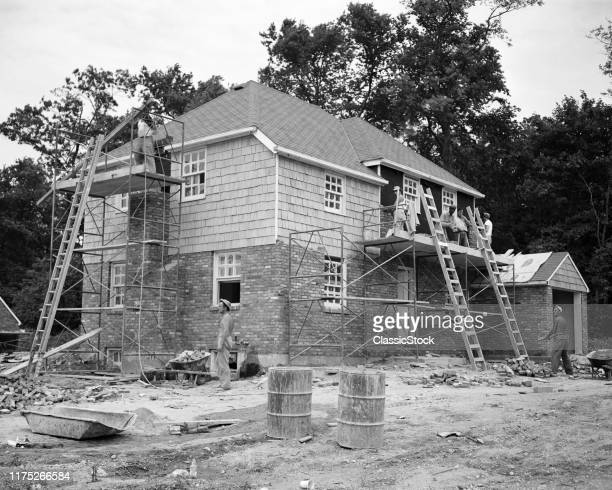 1940s 1950s HALF DOZEN ANONYMOUS WORKERS BUILDING LEVITTOWN SUBURBAN HOME $22500 MODEL ROSLYN HEIGHTS LONG ISLAND NEW YORK