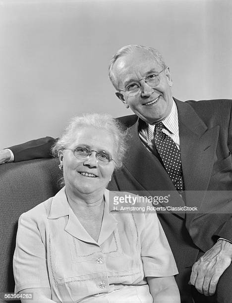 1940s 1950s PORTRAIT HAPPY SMILING OLDER RETIRED COUPLE