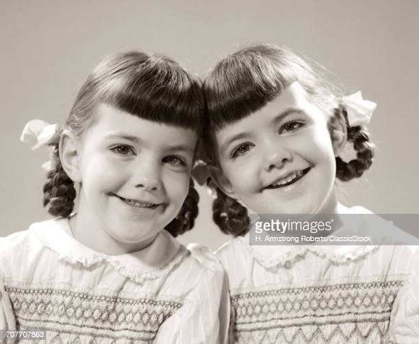 1940s 1950s SMILING TWIN...