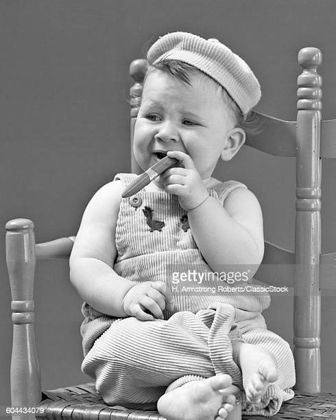 1940s BABY SITTING CHAIR.