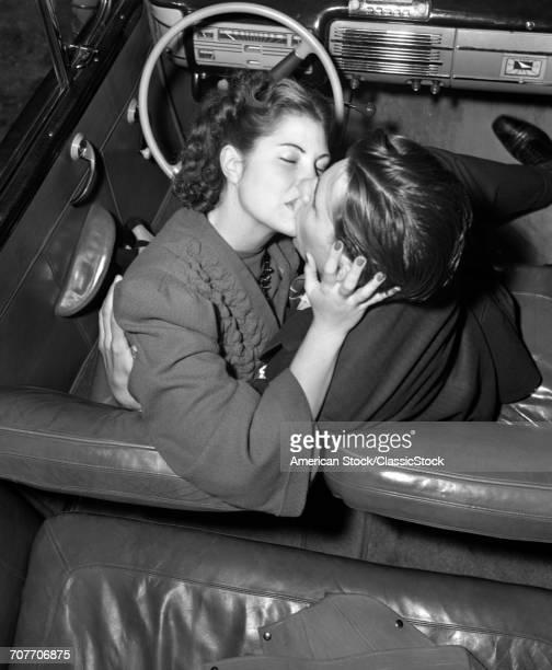 1940s CLOSE-UP COUPLE MAN...