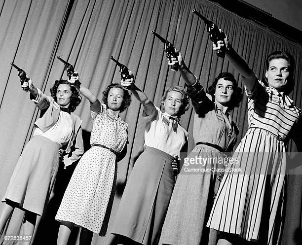 1940s GROUP FIVE WOMEN IN...
