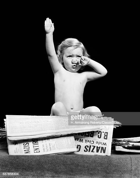 1940s LITTLE BLOND TODDLER...