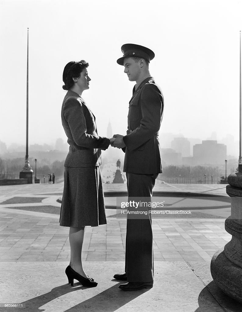 1940s MAN IN UNIFORM... : News Photo