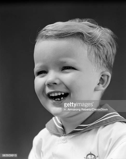 1940s PORTRAIT SMILING...